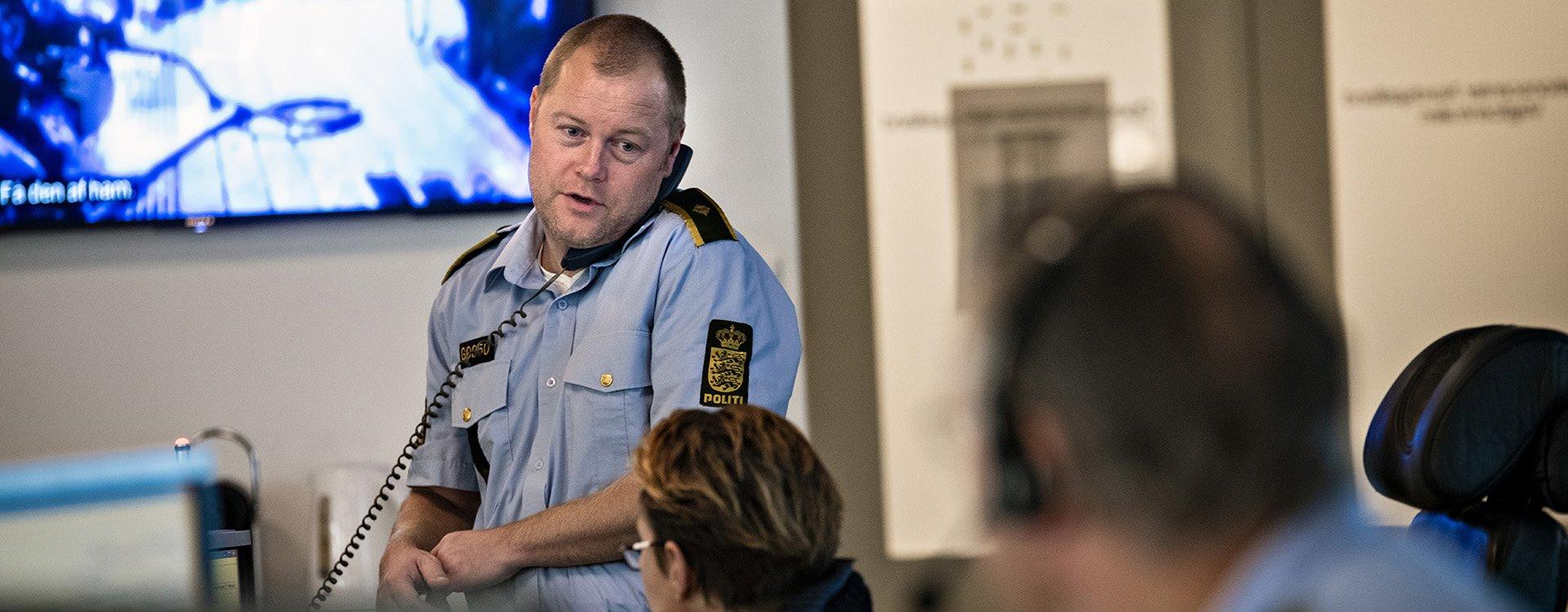 Politi, Politiforbundet, Fagbevægelsens Hovedorganisation, Politibetjent