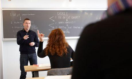Uddannelse - Fagbevægelsens Hovedorganisation