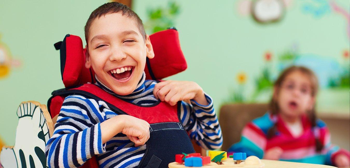 Glad dreng handicapped